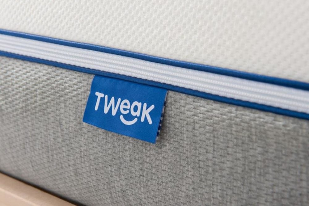 Tweak mattress label